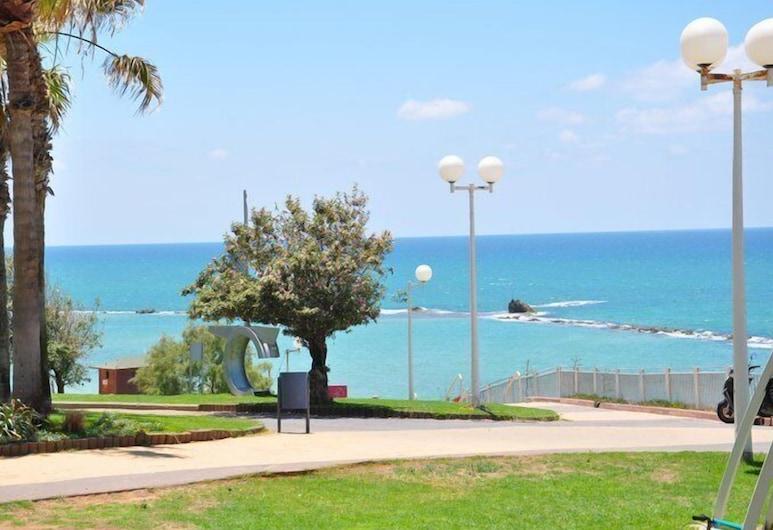 巴特亞姆飯店, 貝特雁, 海灘