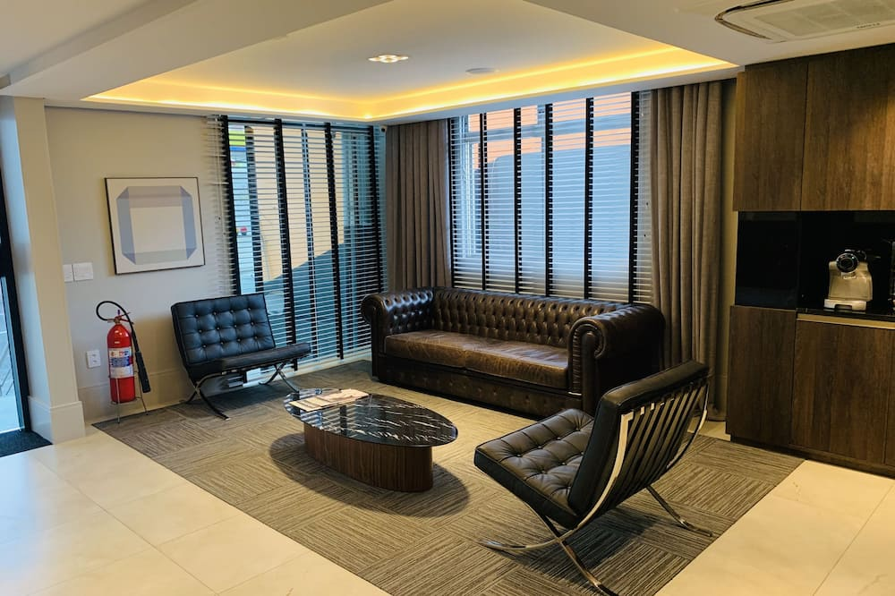 Quarto Casal Luxo - Oturma Alanı