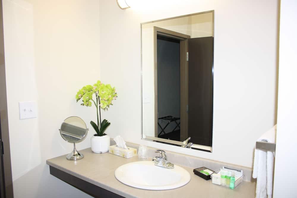 Suite, 1 spavaća soba, čajna kuhinja - Kupaonica