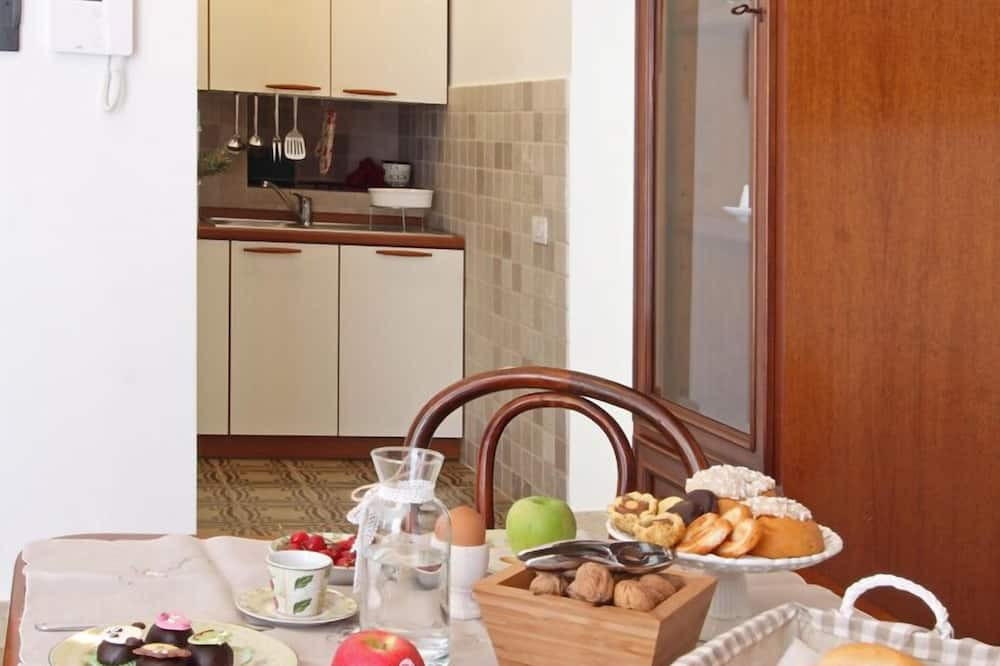 Apartment, 2 Bedrooms, Kitchen (4 persons - Via Insanguine) - In-Room Dining