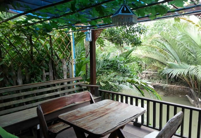 Ban Mae Arom, Amphawa, Αίθριο/βεράντα
