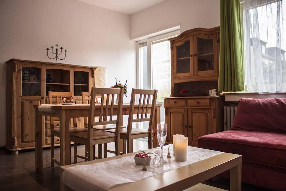 Розкішні апартаменти, 3 спальні, для некурців, патіо - Житлова площа
