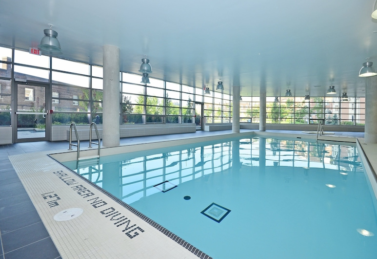 Lavish Suites- New Two Bedroom - Amazing CN Tower View, Toronto, Indoor Pool