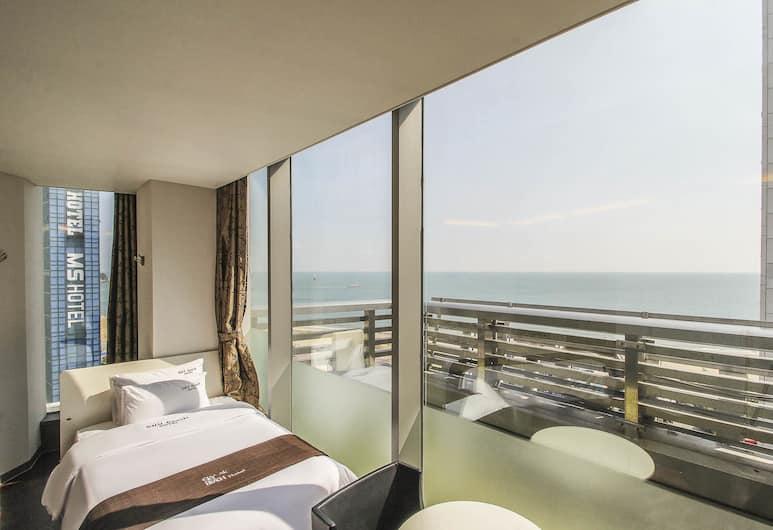 Hotel Sky Beach, Busan, Kamar Twin Keluarga, teras, pemandangan laut, Kamar Tamu