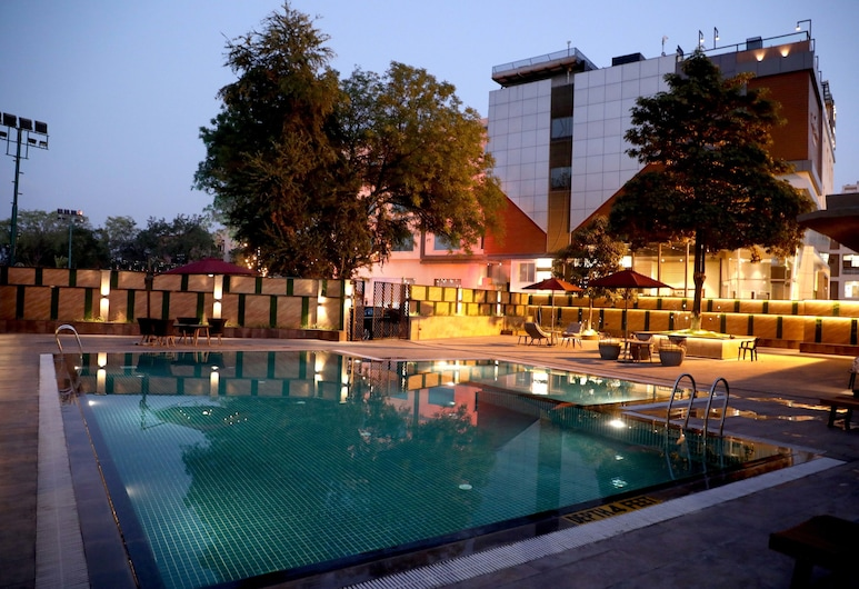 The Fern Residency Udaipur, Udaipur, Pool