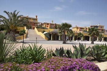Enter your dates to get the Pisticci hotel deal