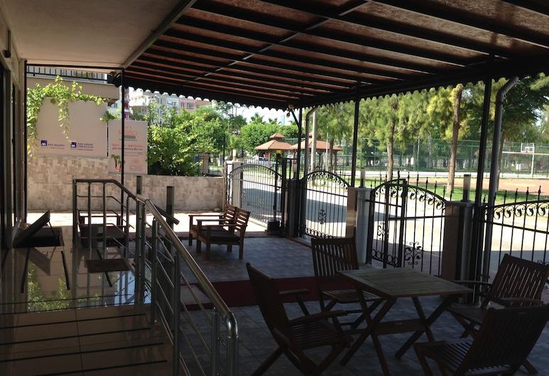 Mutado Pension Hotel, Antalya, Speisen im Freien