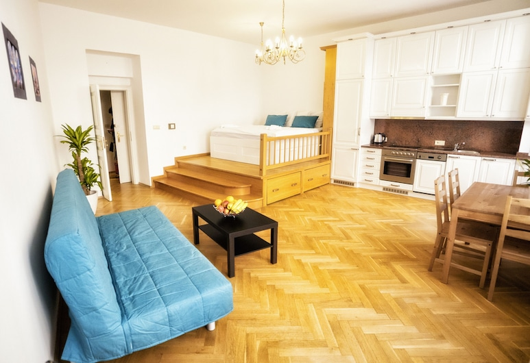 Apartment by the Old Town Square, Prag