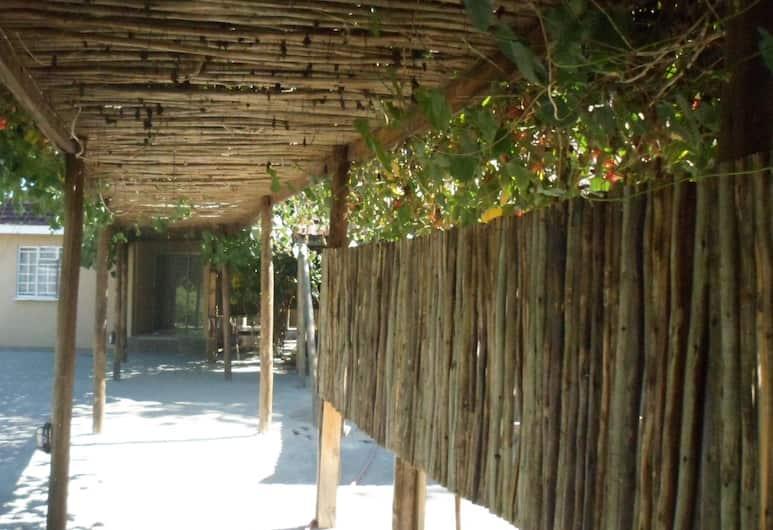 Luxury Wild Inn, Maun, Property Grounds