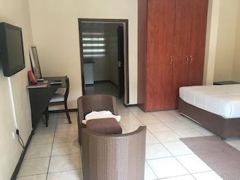 Picture of Luxury Wild Inn in Maun