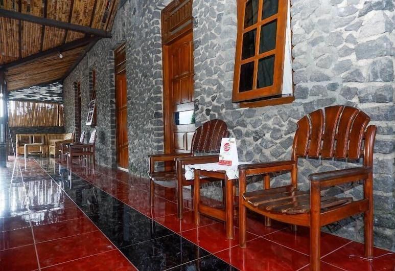OYO 860 Rajasa Hotel, Borobudur, Lobi