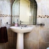 חדר זוגי, שירותים צמודים (Room 2) - חדר רחצה
