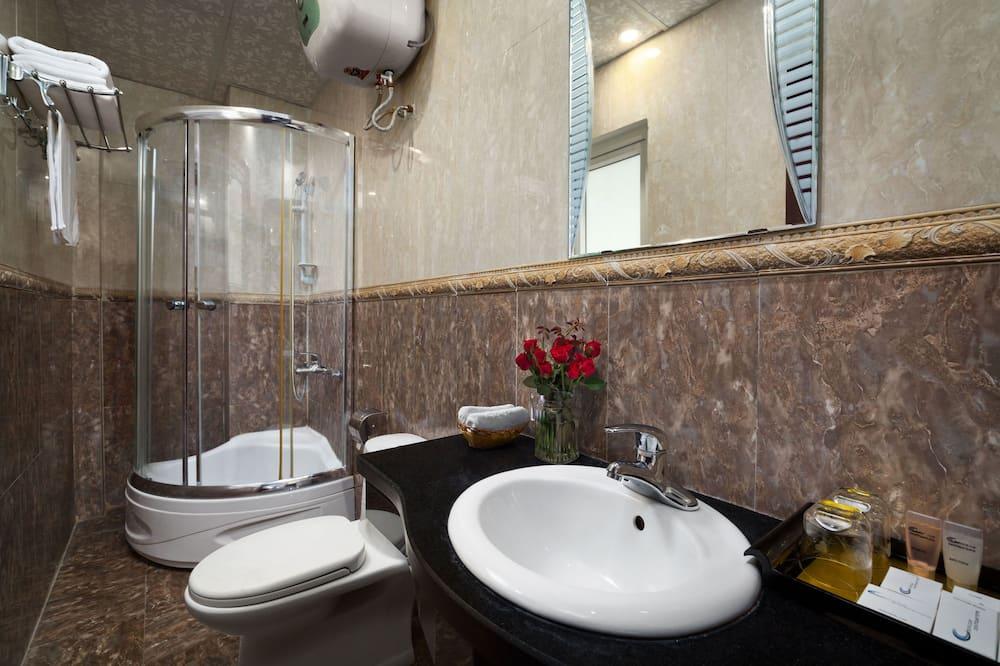 Deluxe Double Quiet Room - Bathroom