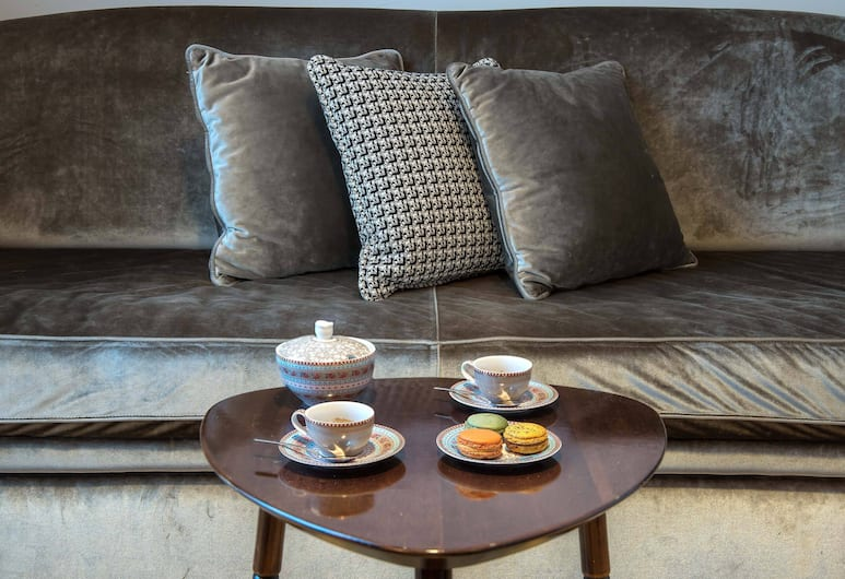 Relais Rione Ponte, Rome, Suite, Living Area