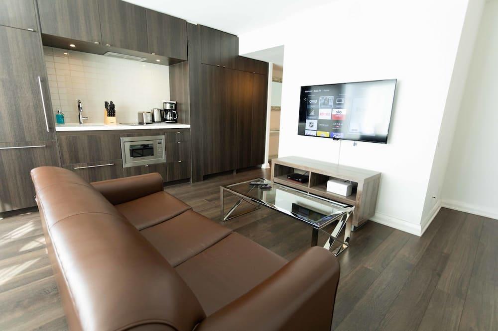 Superior Suite, 1 Bedroom, Kitchen, City View - Living Room