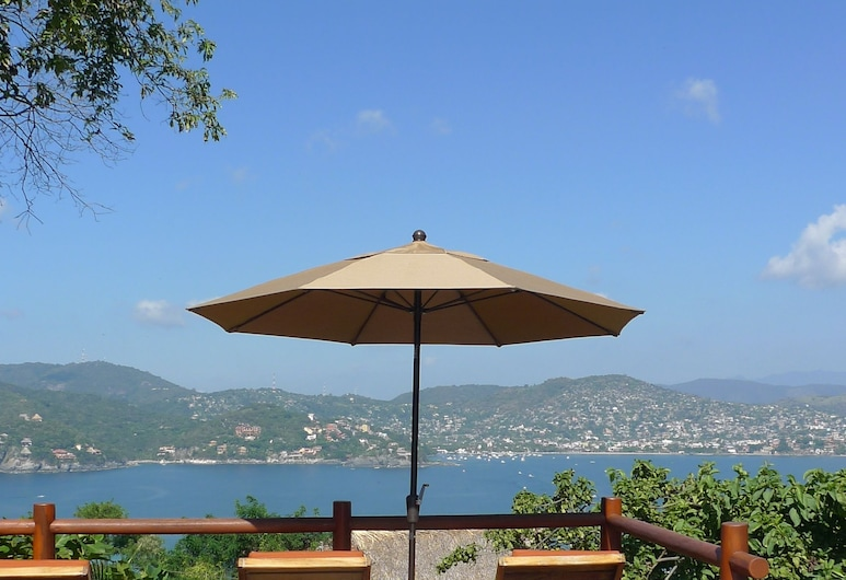 Solana Boutique Bed & Breakfast, Zihuatanejo, Infinity Pool