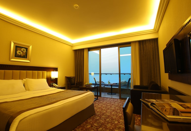 Lancaster Suites Raouche, Beirut, Grand Room, King Sea View, Room