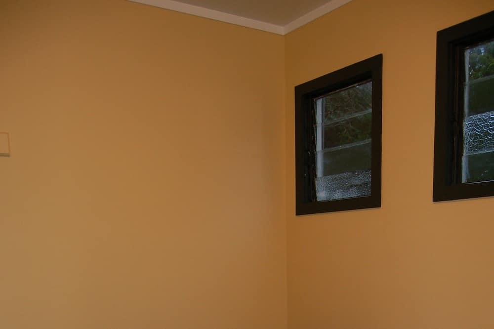 Basic Double Room (Pouakai 1) - Guest Room