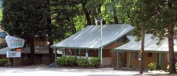 Picture of Cedar Lodge Motel in Dunsmuir