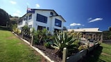 Picture of On the Beach Bed & Breakfast in Wharekaho