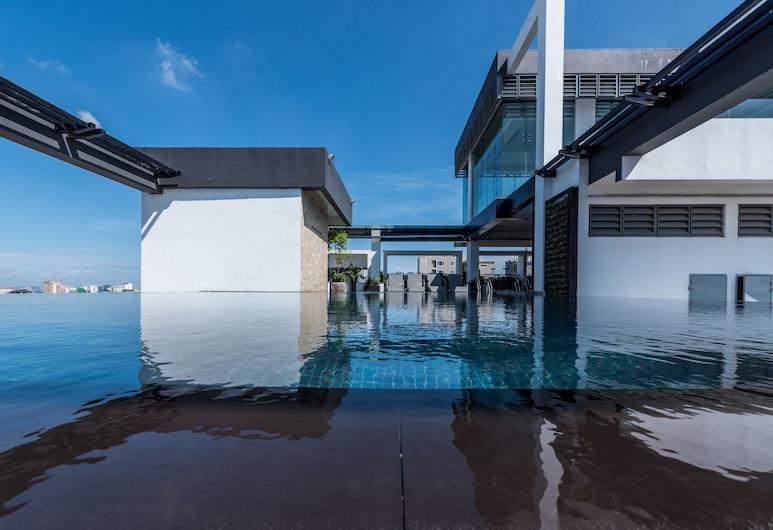 納基套房酒店 @ 銀鎮酒店, 金邊, 無邊際泳池