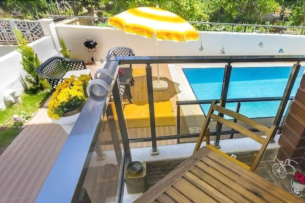 Apartment, Garden Suite - מרפסת