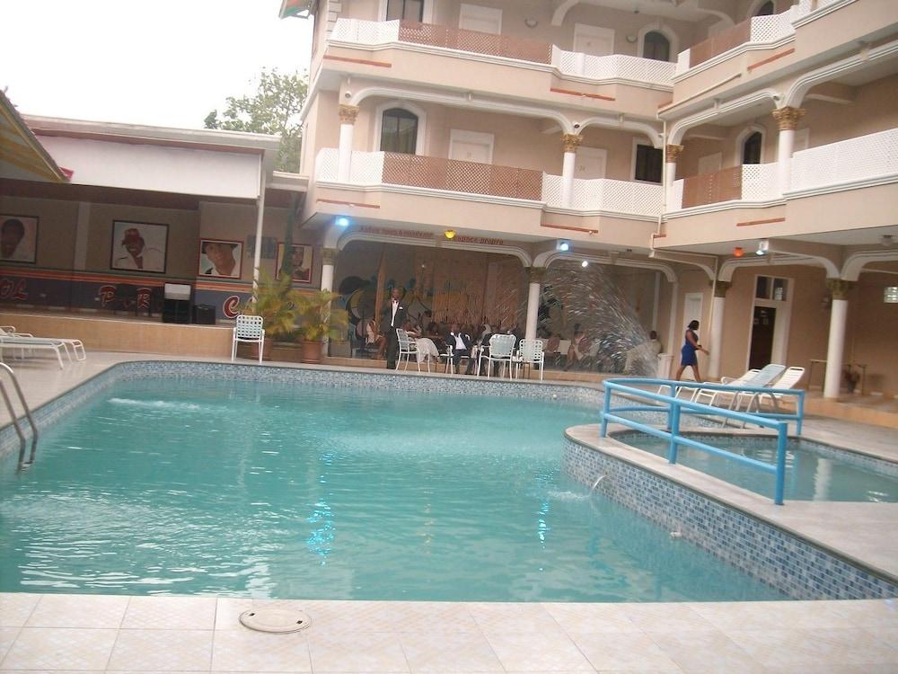 Jeffel Hotel Saint Marc Pool