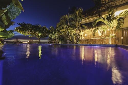 杰里海滩家庭旅馆/