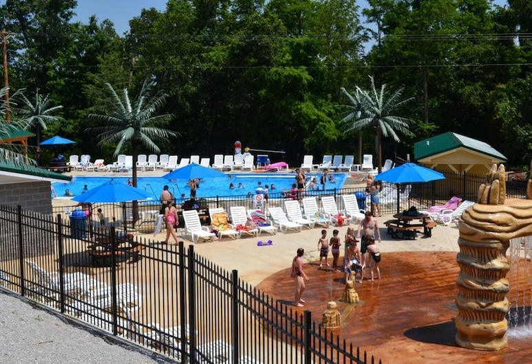 Yogi Bear's Jellystone Park Camp Resort, Cave City, Piscine en plein air