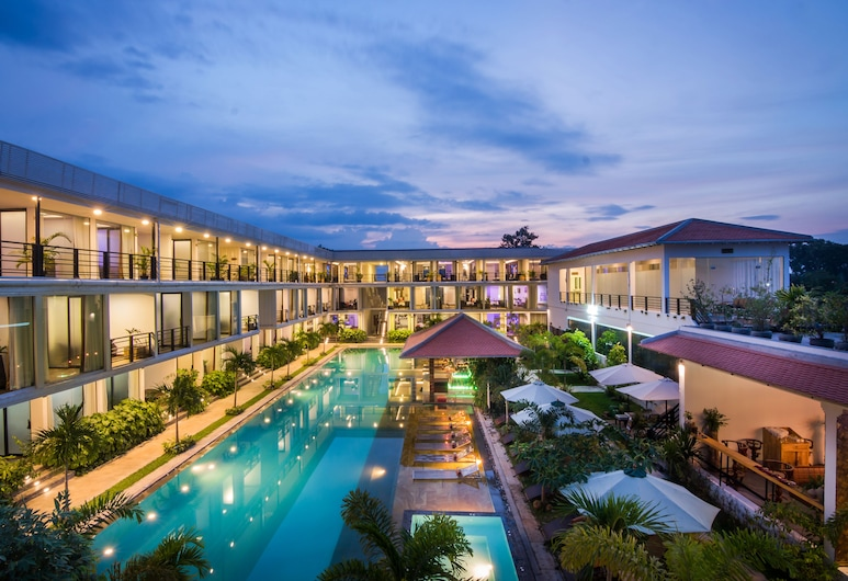 Angkor Elysium Suite, Σιέμ Ριπ, Εξωτερική πισίνα