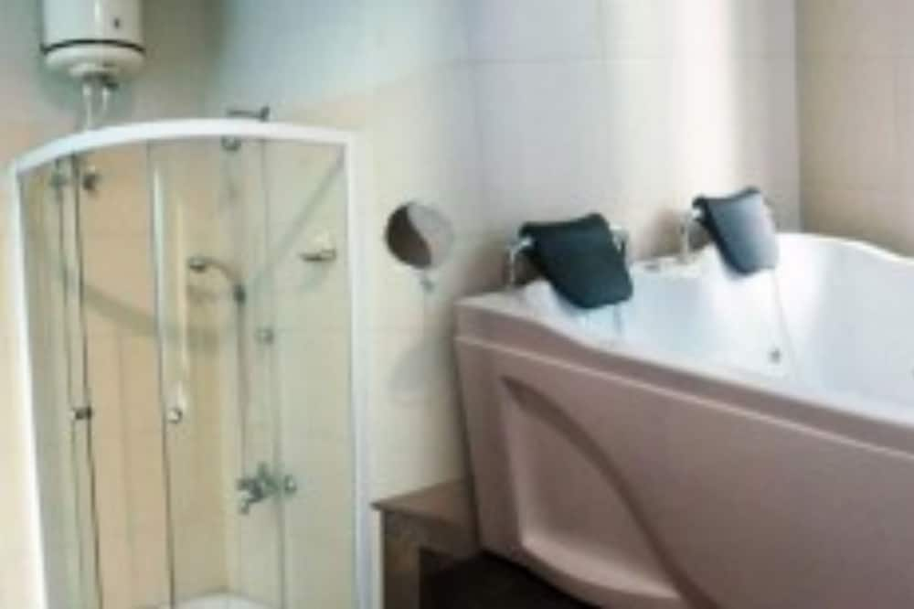 Perushuone kahdelle, 1 makuuhuone, Tupakointi kielletty, Näköala puutarhaan - Kylpyhuone