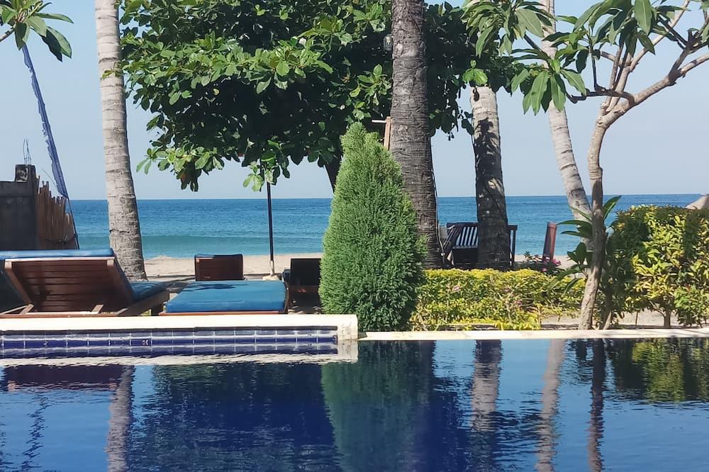 Bintang Beach Villas