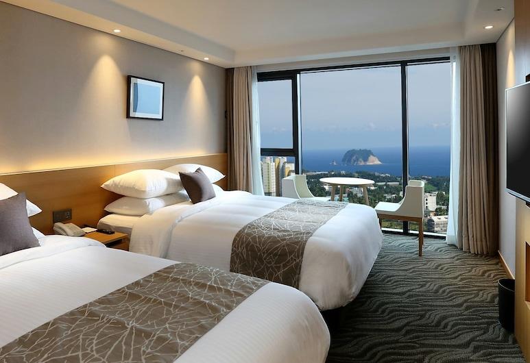 Value Hotel Worldwide Seogwipo JS, Seogwipo, Deluxe-herbergi fyrir tvo, tvö rúm - Sjávarútsýni að hluta, Herbergi