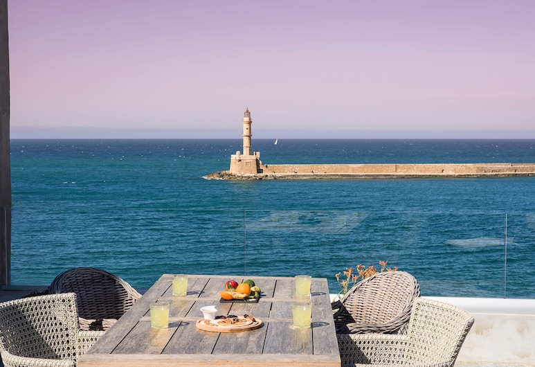 Residenza Vranas Boutique Hotel, Chania, Panoramic Penthouse, 2 Bedrooms, Hot Tub, Oceanfront, Terrace/Patio