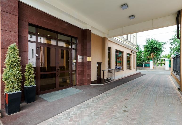 雷蒙德飯店, 喀山, 飯店入口