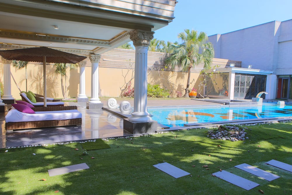 Presidential Suite (Check in time starts from 6pm) - Private pool