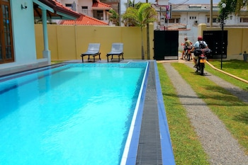 Picture of Holiday Fashion Inn in Negombo