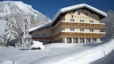 Book this Free wifi Hotel in Russbach am Pass Gschuett