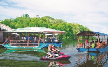 Picture of Shiny Lakeside Resort in Hikkaduwa