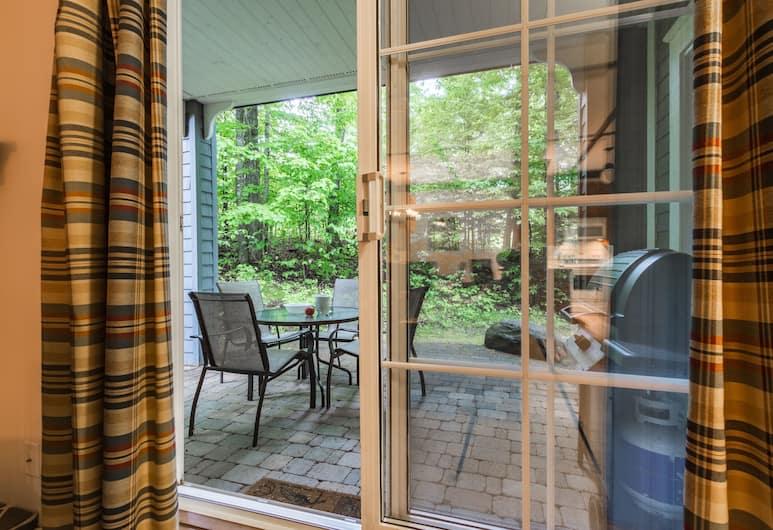 Les Manoirs - RVMT, Mont-Tremblant, Manoirs 102-9, Terrasse/patio