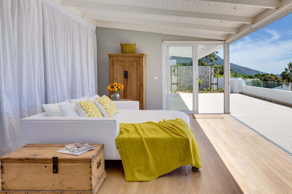 Luxury House, 4 Bedrooms (15 Ottawa) - Mountain View