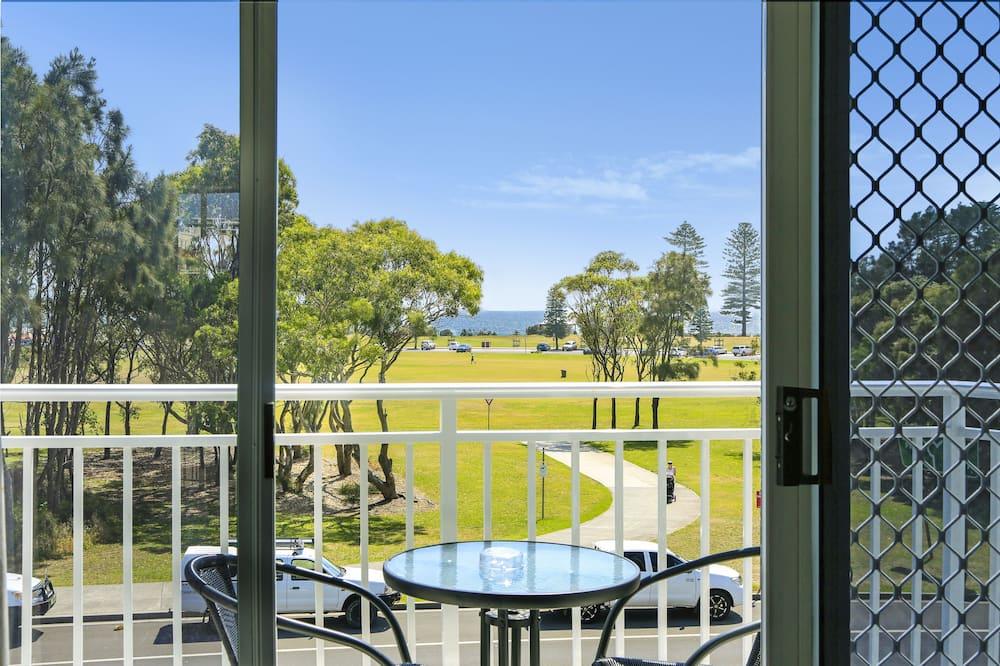 Queen Room with Ocean View - Balcony