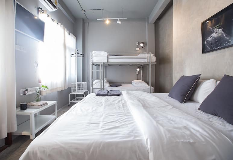 2W ベッド & ブレックファスト バンコク, バンコク, Family Room Shared Bathroom For 3 - 4 Persons, 客室