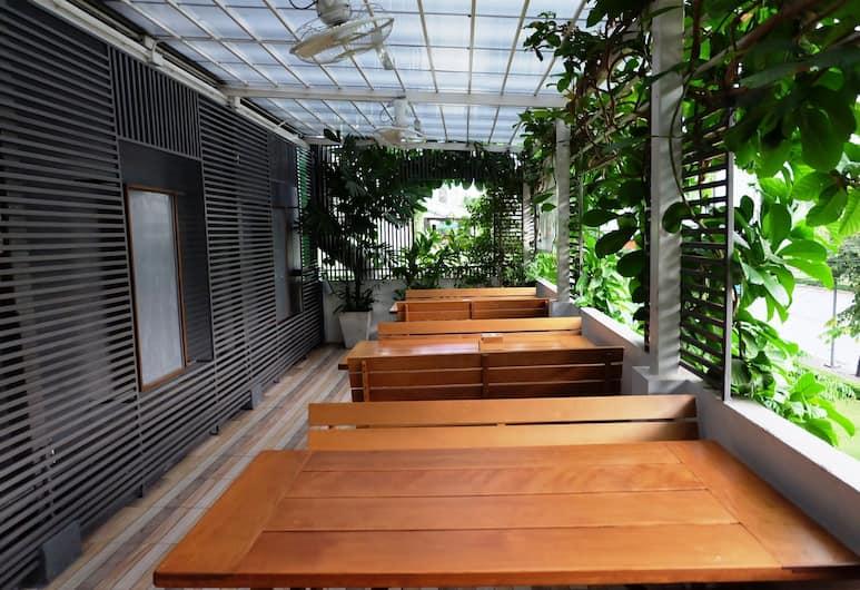コージー アット 9 ホテル アンド キッチン, バンコク, 屋外レストラン