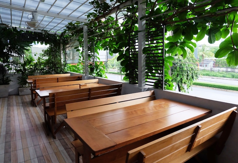 Cozy at 9 Hotel and Kitchen, Bankokas, Vakarienės lauke