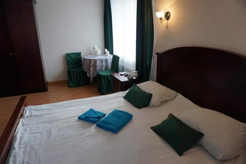 Paaugstināta komforta divvietīgs numurs, 1 divguļamā karaļa gulta - Viesu numurs