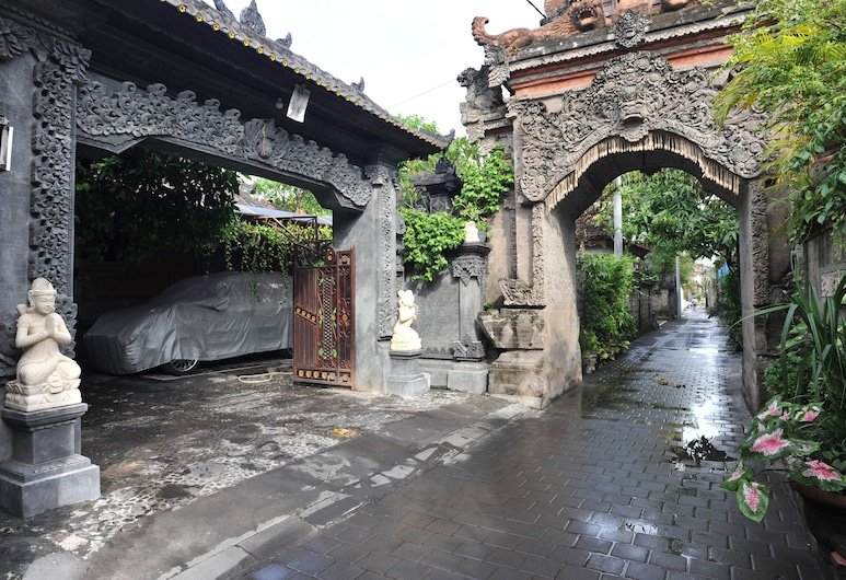 Airy Eco Kuta Kartika Plaza Gang Pendawa 2 Bali, Kuta