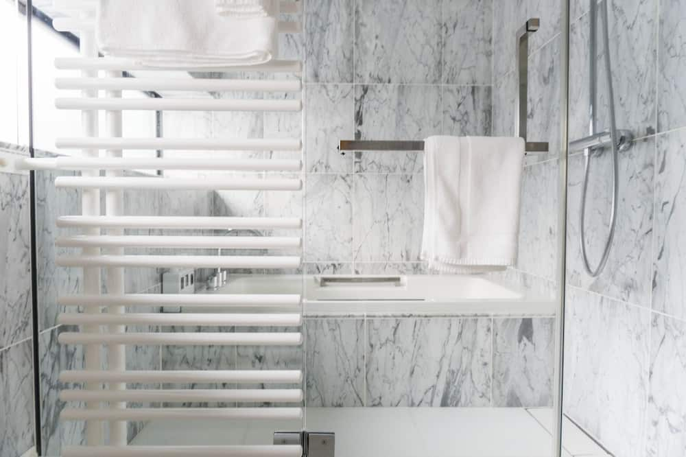 客房 (Twin or Double 301) - 浴室