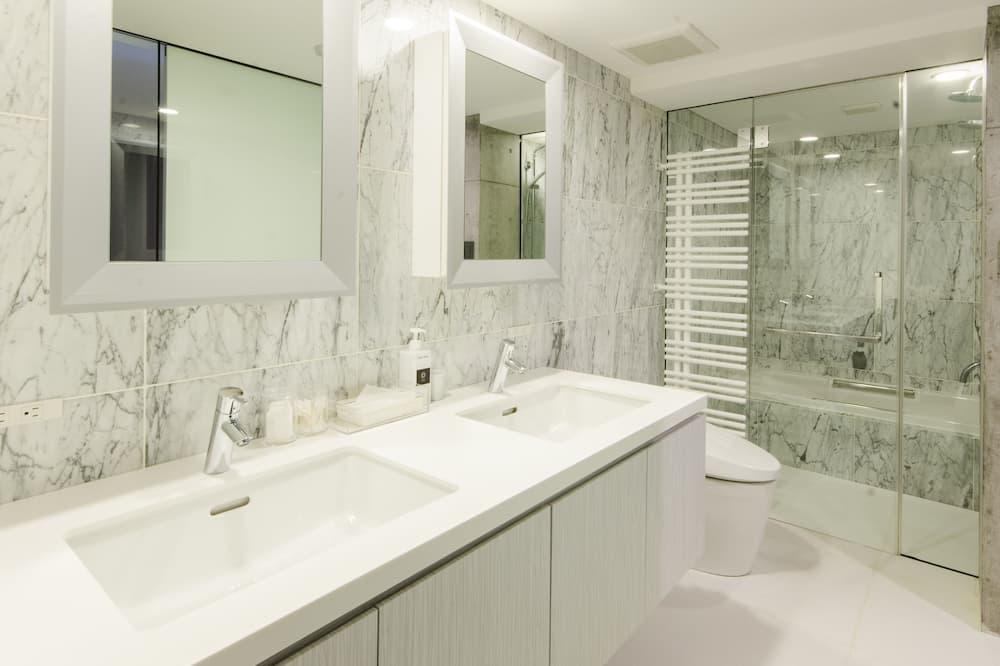 客房 (Twin or Double 101) - 浴室