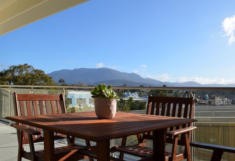 Kangaroo Bay Apartments, Bellerive, Apartment 6, Balcony